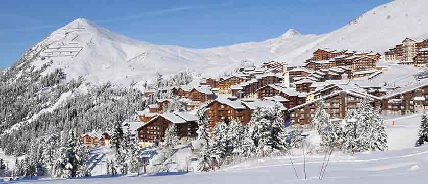 france_paradiski-ski-area_la-plagne_resort.jpg